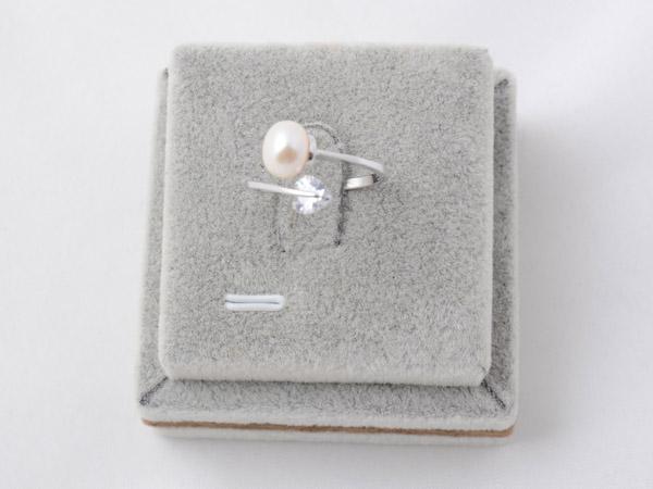 Кольцо с кристаллами сваровски арт.117 серебрянного цвета