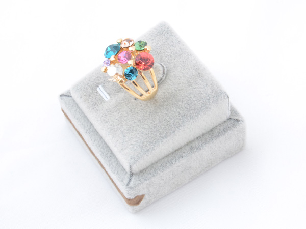 Кольцо с кристаллами сваровски арт.110 золотого цвета