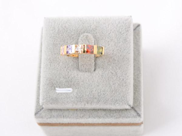 Кольцо со вставками из кристаллов Сваровски разных цветов арт. B105