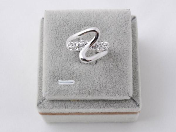 Кольцо с кристаллами сваровски арт.118 серебрянного цвета