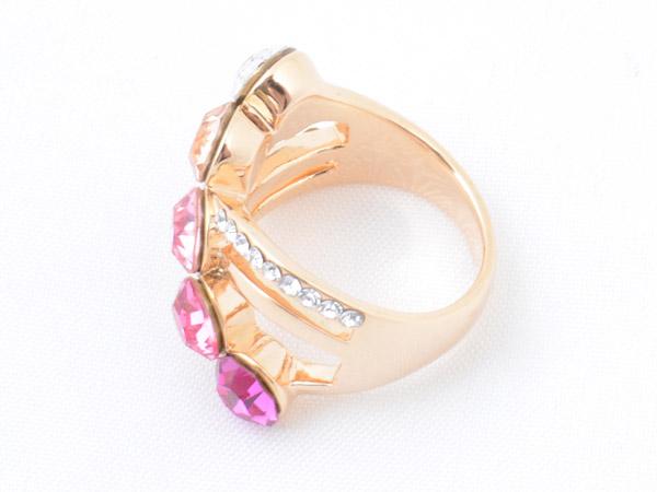 Кольцо со вставками из кристаллов Сваровски разных цветов арт. B103